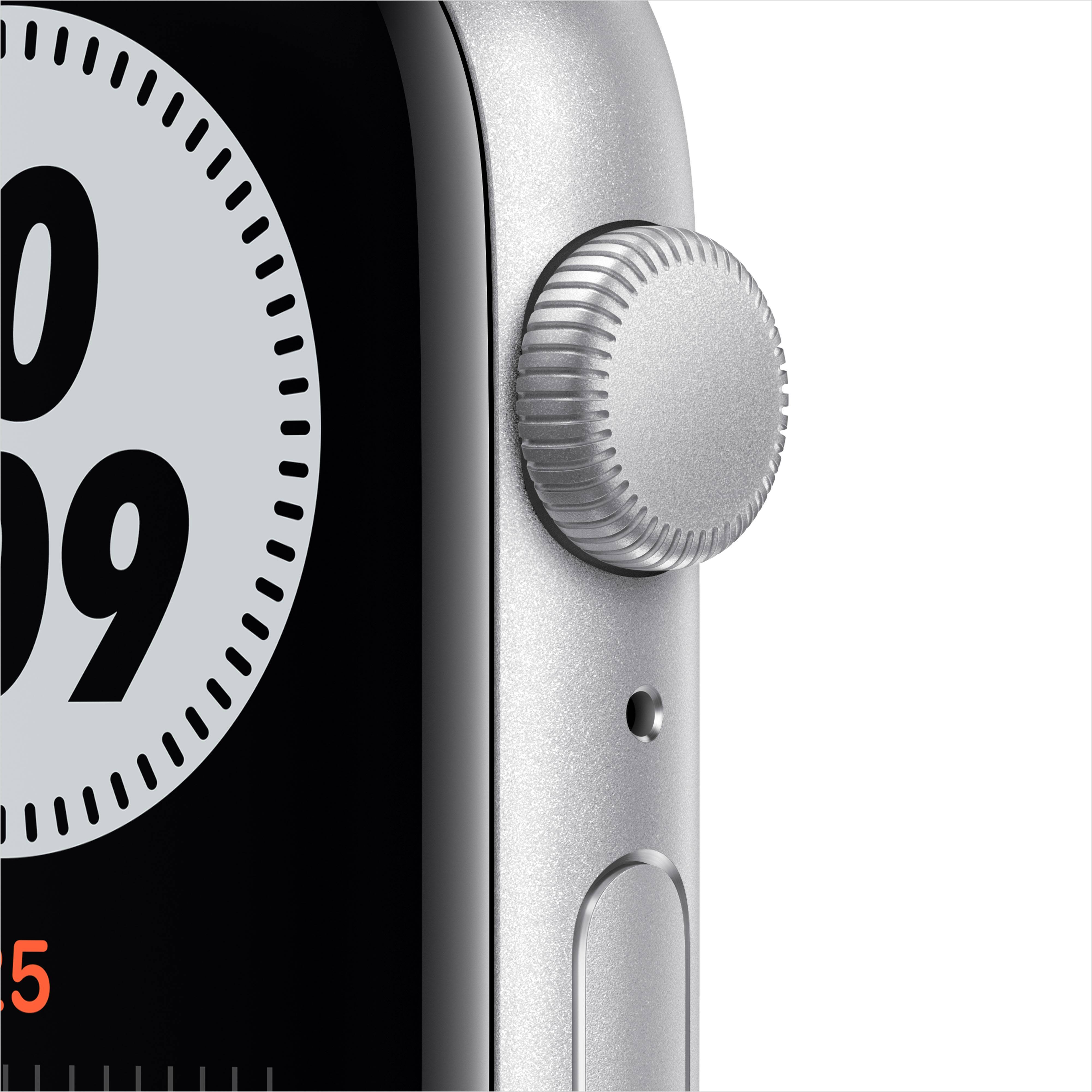 Часы APPLE Watch Nike SE 44mm Silver Aluminium Case with Pure Platinum/Black Nike Sport Band MYYH2. Фото N2